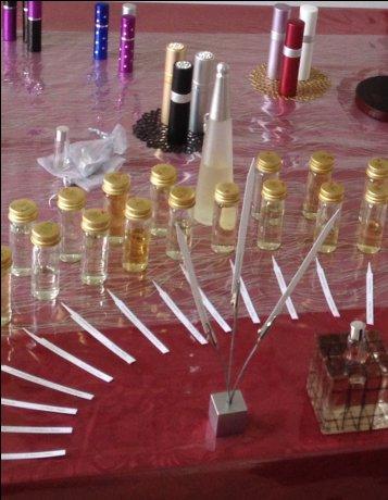 世界に一つだけのご自分のデザインで香水をクリエートしてみませんか!!