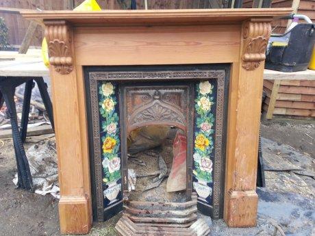 暖炉一式及びマントル;西Putneyへ引き取りに来てくださる方のみ