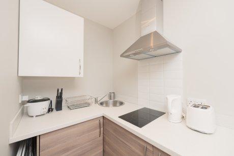 《LONDON APPLE HOME》キッチンやバスルームのリフォーム