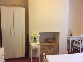 Spacious Room ***West Hampstead***