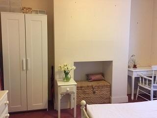 Spacious Room ***West Hampstead***