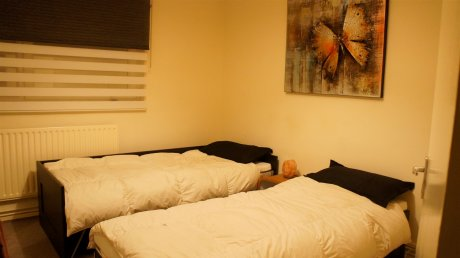 1ルーム・シングルベッド x 2 (ゾーン 1/2)、65£/2名利用