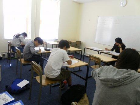 海外生の学習を強力にサポート    ena ロンドン