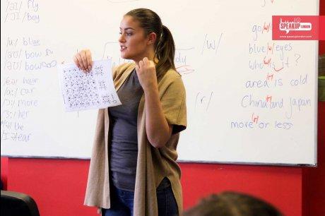 語学学校週3日コースあり 駐在員のご家族やワーホリなど忙しい方でも大丈夫