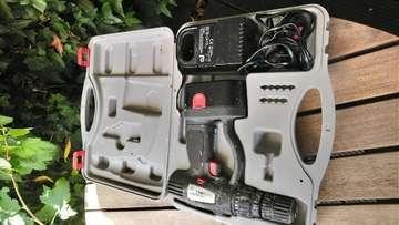 コードレス電動ドリル他ツール各種全部で£30!