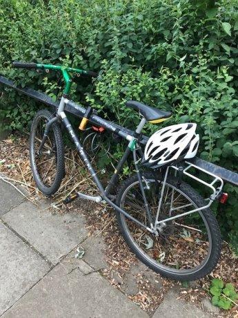 自転車(Dロック付)+ヘルメット、反射キットの3点 West Acton