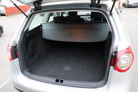2007年製 Volkswagen Passat Eastateオートマ