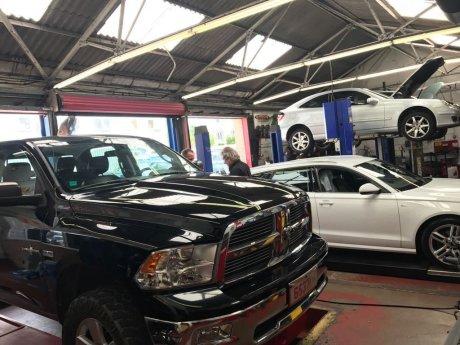 お車の点検、整備、修理代が高いなぁ~と感じていませんか!!