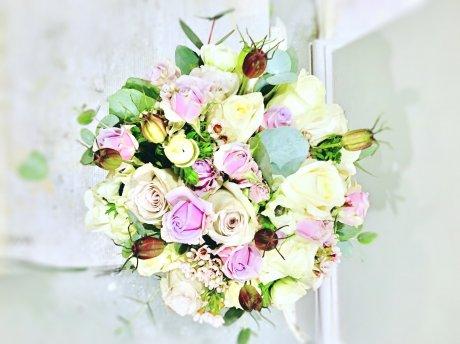 ***ベスポークの花束、アレンジメント承ります***