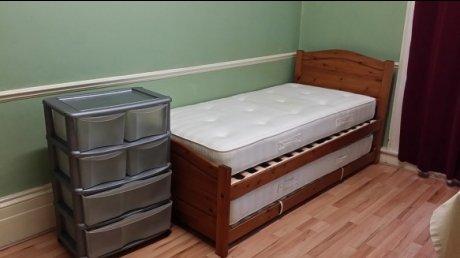 Earls Court 週160ポンド シングルルームです.