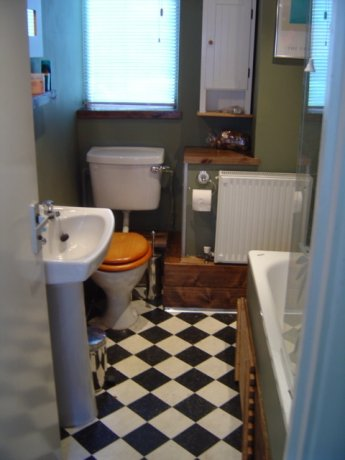 Double room to let in 5 minutes walk from Hammersm