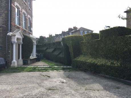 Zone 2 Finsbury Park / Arsenal near stations &