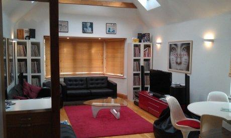 大きな家の清潔で素敵なお部屋貸します。GOLDERS GREEN。