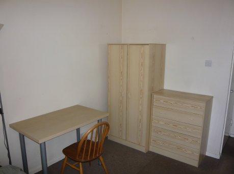 Southwark一人部屋5/22以降で家賃月£410‼️