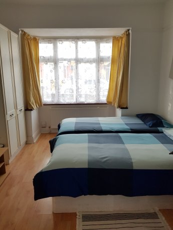 ロンドン短期宿泊用 シングル&ツイルーム