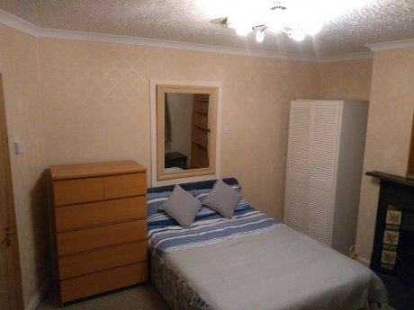 Quiet large room for one person Cricklewood
