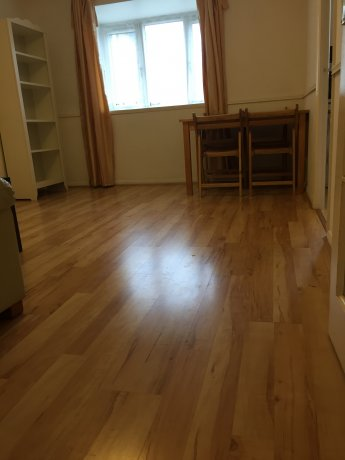Zone2,1Bedroom Flat,SurreyQuays,込/家具