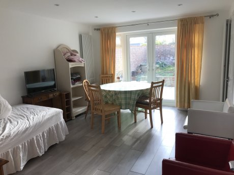 Semi-Detached House to Let